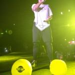 19. O îáíP¡µ¿ª¬ on stage